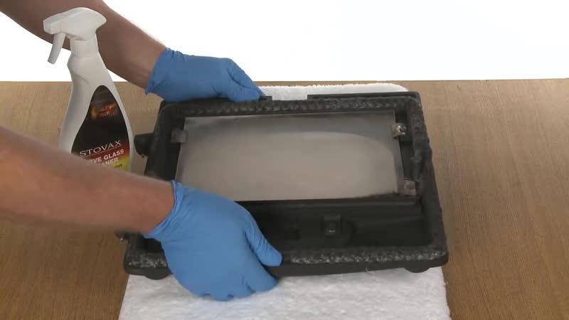 Как отмыть стекло дверцы дровяной печи или камина от сажи