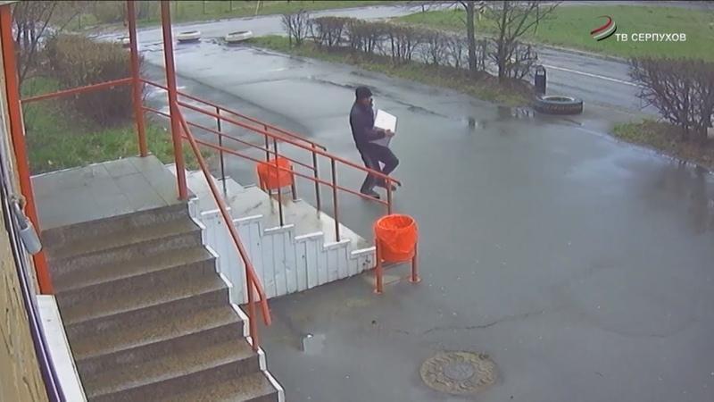 Из супермаркета в поселке Оболенск украли алкоголь лимонад и конфеты
