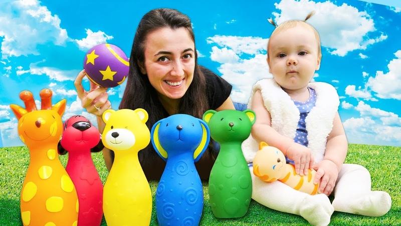 Oyuncak hayvanlar ile bowling seti. Bebek videosu.