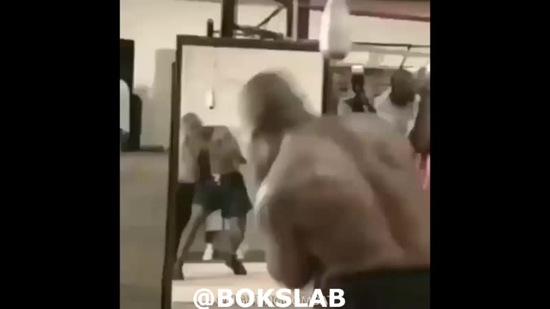 Майк Тайсон  - самый быстрый боксёр в тяжёлом весе