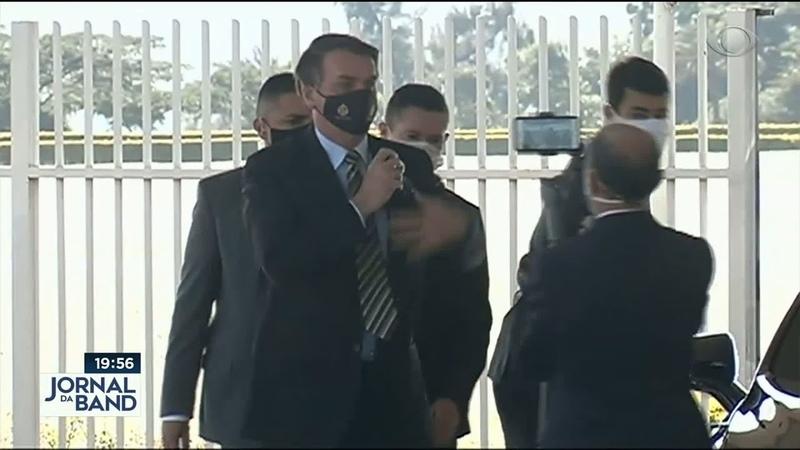 Bolsonaro pede que empresários ajudem a evitar lockdown em SP