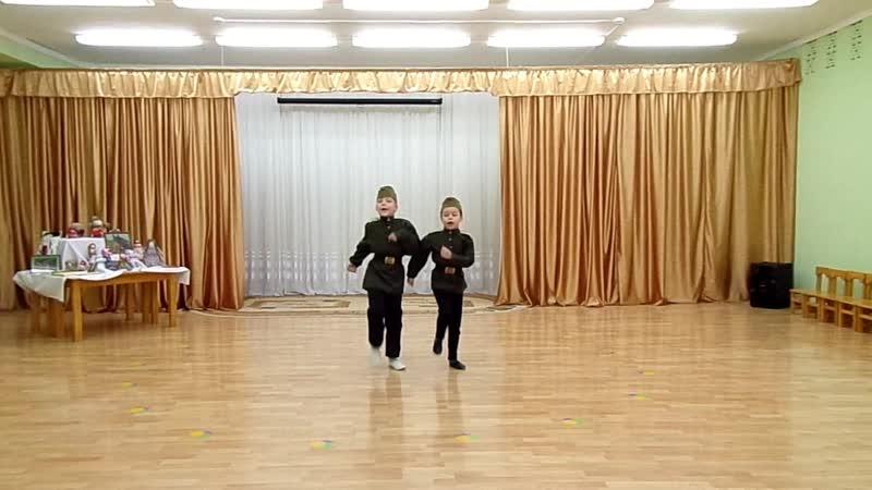 Воспитанники детского сада № 40 с песней Родины сыны