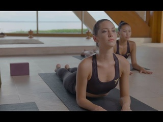 MODEL YOGA Root Chakra | Connect with yourself