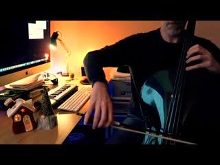 Сыграл на виолончели Carol of the bells