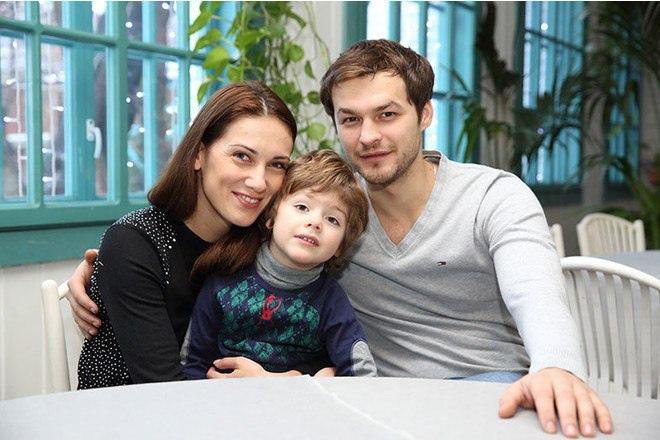 Анна Носатова с мужем Михаилом Гавриловым и сыном Андреем.