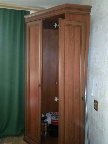 Отдам шкаф угловой м. .Пр. Большевиков...