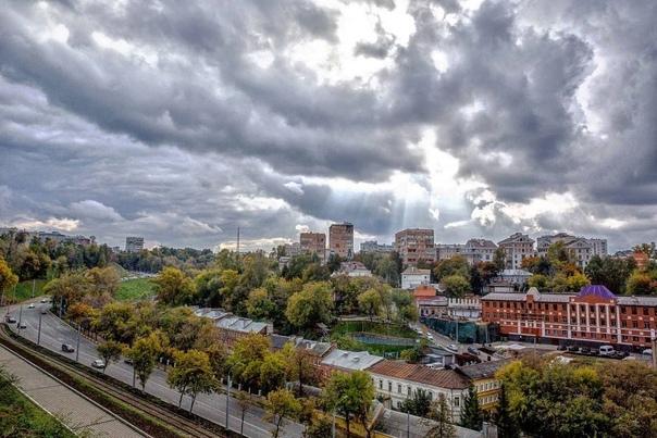 Доброе утро, осенний Нижний 🍁#фото@typical_nn...