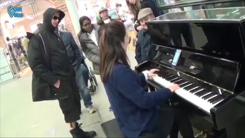 Парень показал как надо играть на пианино Шедеврально Funny Jokes