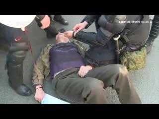 Задержания митингующих в Петербурге.