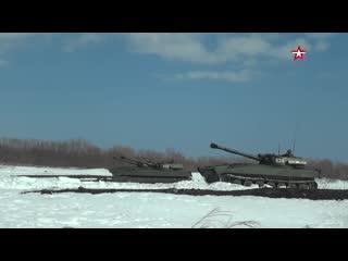 Артиллерийские стрельбы на фоне гор: видео учений морпехов на Камчатке