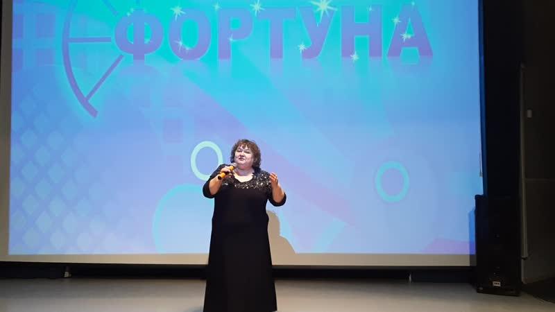 Валентина Булычева преставитель ГОО русского народа Русский дом с песней Белый танец