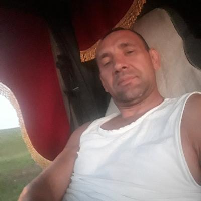 Олег, 46, Izhevsk