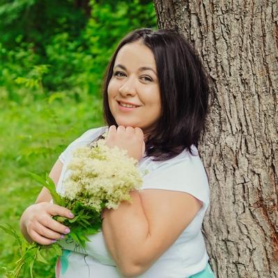 Yulia, 32, Vyritsa