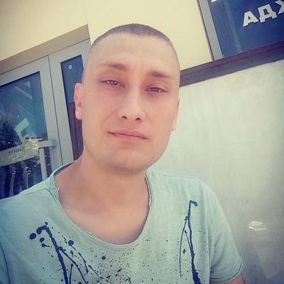 Олег, 38, Yekaterinburg