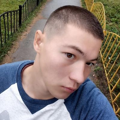 Максим, 21, Chelyabinsk