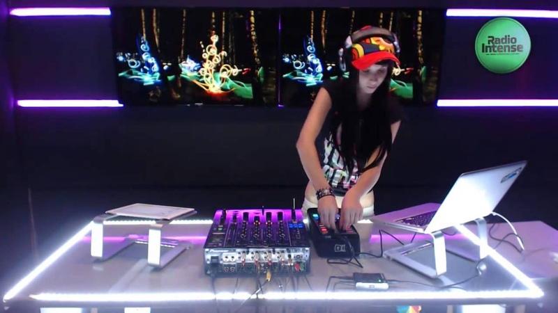 Miss Monique - Mind Games Podcast 016 (Live, Radio Intense 02.09.2013)