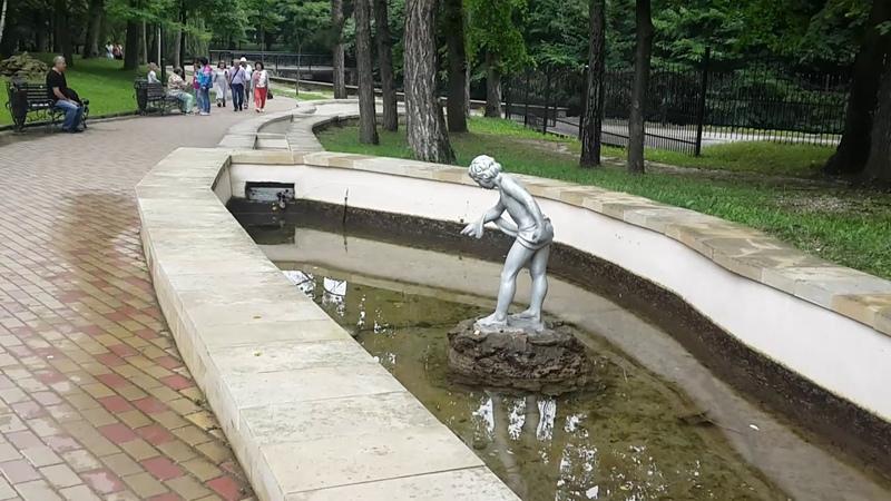У Стеклянной Струи. Кисловодский парк. Река Ольховка и Дамский Каприз. Нашла гриб Дубовик