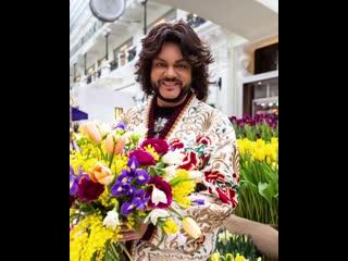 #Repost @fkirkorov     Государственный Кремлёвский ДворецС красивым весенним днём вас, милые дамы! С 8 Марта!Все цвет