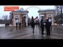 ПРОТИВ МАЙДАНУТЫХ встали и другие города/ Перед входом в парк активист НОД с флагом/ БЕЛГОРОД/ 2021г