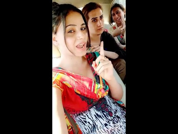 To jy mery kol new barbal doll video with some friends on trywling